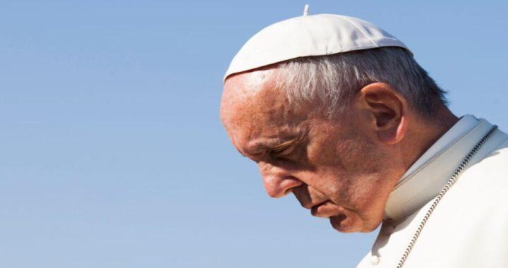 """Papa Francesco annuncia una notizia """"mai successo prima"""""""