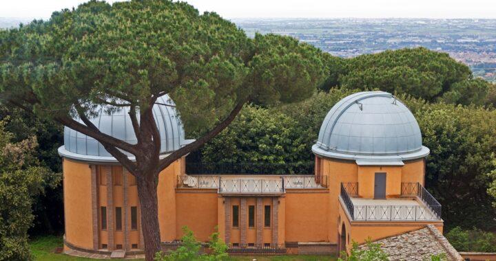 In Observatorio Vaticanum II: Etiam in aeri, Ecclesiam reperiunt