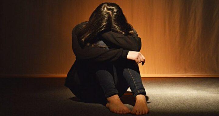 """Ragazza violentata : il papà la condanna """"Mia figlia era ubriaca"""""""