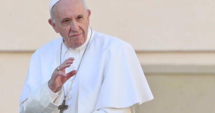 """Papa Francesco: """"I nonni e gli anziani non sono avanzi di vita"""""""