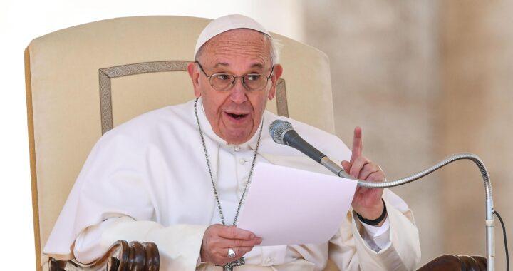 """Papa Francesco: """"Messa domenicale duramente attaccata dalla pandemia"""""""