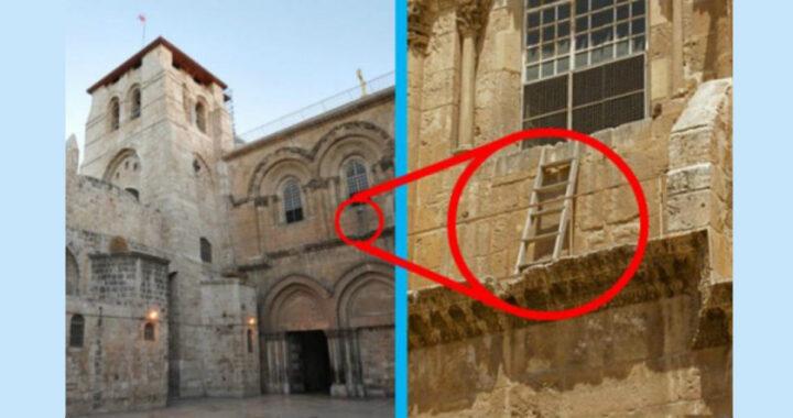 Questa scala è in quella Chiesa da 300 anni, la ragione è triste per tutti i Cristiani