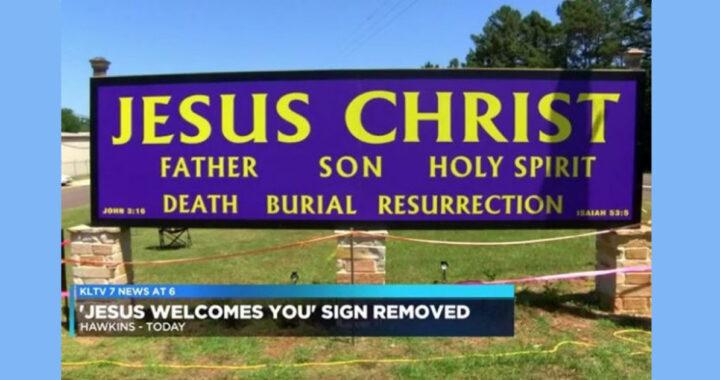 Consiglio Comunale rimuove il cartello 'Gesù', la Chiesa intenta una causa