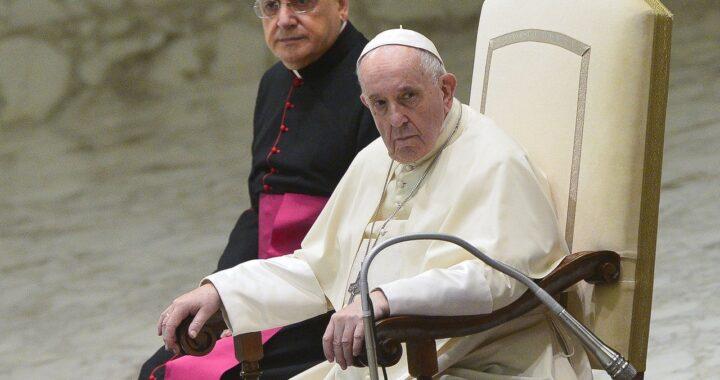 Papa Francesco bacchetta i politici di tutto il mondo, il rimprovero