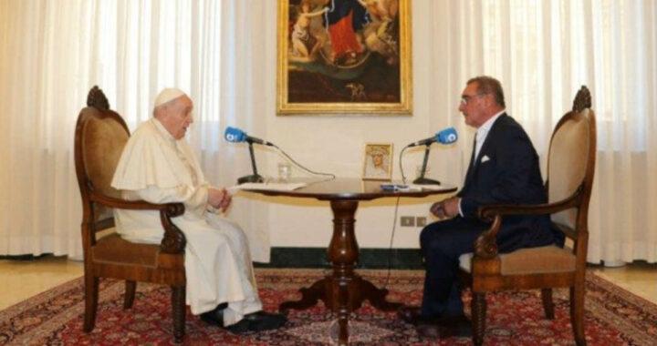 """Papa Francesco sull'aborto: """"lecito eliminare una vita umana per risolvere un problema?"""""""