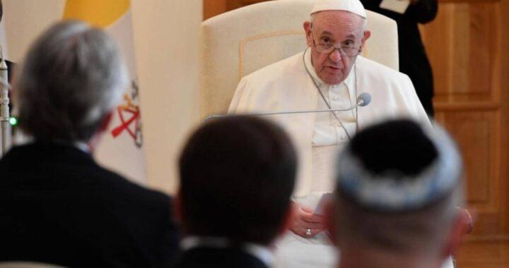 """Papa Francesco: """"Non ridurre la fede a zucchero che addolcisce la vita"""""""